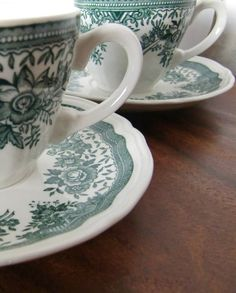Vintage Villeroy & Boch Transferware.  An adorable set of 3 cups with fitting saucers manufactured by the famous German ceramics factory Villeroy