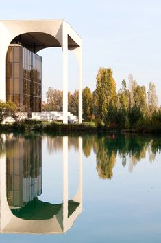 """Gallery of Oscar Niemeyer's """"Favorite Project in Europe"""" Captured in Spectacular Photo Set by Karina Castro - 7"""