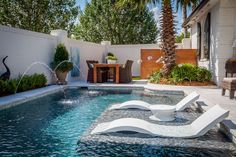 If you're prepared to get a pool, consider the advantages of one that's small-scale yet upscale. A little pool doesn't need to be any less refreshing. A little swimming pool is a … Pools For Small Yards, Backyard Ideas For Small Yards, Small Swimming Pools, Small Backyard Pools, Swimming Pools Backyard, Swimming Pool Designs, Desert Backyard, Small Pool Ideas, Outdoor Pool Areas