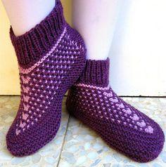Knitting Pattern - Amazing Siberian Slippers - PDF pattern - Seamless Slippers knit flat on 2 needles - Easy to knit Cast On Knitting, Double Knitting, Knitting Socks, Baby Knitting, Crochet Socks Pattern, Crochet Yarn, Knitting Patterns, Crochet Tops, Knitting Ideas