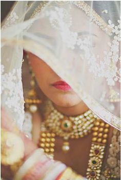 Everything related to indian fashion; whether it be bridal or casual. Desi Bride, Desi Wedding, Bride Look, Wedding Bride, Lace Bride, Wedding Couples, Big Fat Indian Wedding, Indian Wedding Jewelry, Indian Bridal