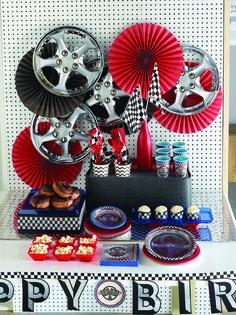 Super cool racing car party tableware #RacingCarParty #racingcar #GrandPrixParty…
