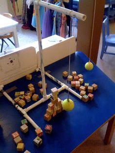 adapt to montessori work. Preschool Science, Preschool Classroom, Science For Kids, In Kindergarten, Preschool Sign In Ideas, Preschool Block Area, Reggio Classroom, Summer Science, Science Fun