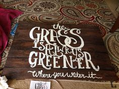Pallet sign for outdoors