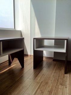 #Diseño de #mobiliario. Consolas entretenimiento y mesa de apoyo, en nogal y MDF laqueado. #santorojo #arquitectura #mesas #madera
