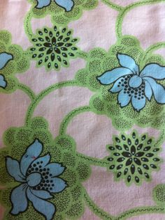 """my Buttler,  Daisy Chain, Quilting fabric,Sewing Fabric, Home Decor, Green Blue,Crafting projects, 43"""" wide,  1 yard cut by Lindaruthssewingroom on Etsy"""