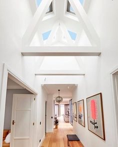 We've been debating in the Block Shop office whether this might be the most stunning hallway we've even seen. What do you think? Best ever on The Block? #lettherebelight #skylights #velux #roofusaustralia #popaustraliana #sarahandjason #9theblock http://ift.tt/2zJTdVj