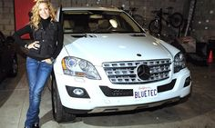 Sheryl Crow  with her Mercedes ML BlueTec