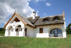 Dörgicse - tervező: Mérmű Építész Stúdió Style At Home, Farmhouse, Mansions, House Styles, Google, Modern, Lady, Design, Home Decor