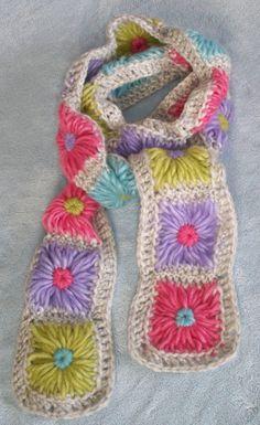 Sciarpa Patch Crochet di ManyMakes su Etsy