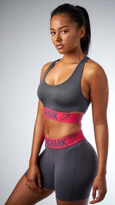Gymshark Fit Sports Bra - Charcoal Cranberry 3f32c30b5ee