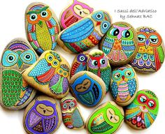 Painted stones - Owl