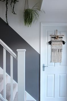 Hallway Wall Colors, Stairwell Wall, Stair Walls, Half Painted Walls, Painted Stairs, Decorating Stairway Walls, Ideas For Stairway Walls, Entrance Hall Decor, Entrance Halls