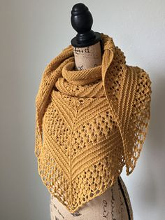 Pumpkin Spice is an oversized shawl that's knit in worsted weight yarn. It was inspired by my favorite latte and designed with crisp fall mornings in mind.