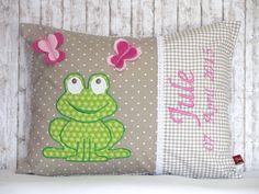 """Namenskissen - Namenskissen """" Frosch & Schmetterling""""incl.... - ein Designerstück von Julies-Place bei DaWanda"""
