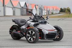 2015-Can-Am-Spyder-F3-02