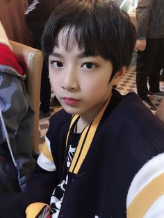 "TF Family official en Twitter: ""#刘耀文 今天真是开心的一天!… "" Liu, Asian Boys, Twitter, Asian Guys"