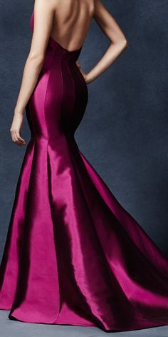 The shape. The detail. All of it. Swooning over Lela Rose's Declaration Gown, as part of our #5YCollection.