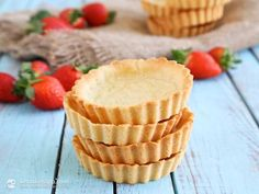In my recent post, I showed you how to make Savoury Keto Pie Crust. This time, I created another keto essential everyone should know how to make. Compared to my savoury version, this recipe doesn't use pork rinds. It is sweet and therefore more suitable for desserts (like this Raspberry Meringue Pie). Unlike the savory ...