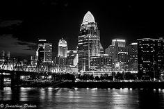Cincinnati Sky line   Cincinnati Skyline