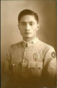 Manila policeman. Ca. 1930's. Pinoy Kollektor Collection