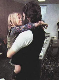Every picture I see of Paul and his kids, I find the sweetest, and makes me feel all warm and happy inside. Photo of Heather and Paul McCartney at EMI studios. Photograph by Linda McCartney. Heather Mccartney, Paul Mccartney And Wings, Great Bands, Cool Bands, The Beatles 1, Sir Paul, The Fab Four, Ringo Starr, John Lennon