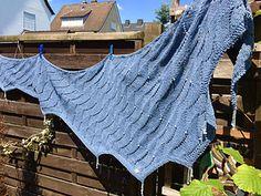 Ravelry: Le Freak pattern by Marion-Anett Sewing Le Freak, Ravelry, Knitting, Sewing, Shawls, Knits, Pattern, Handmade, Hand Made
