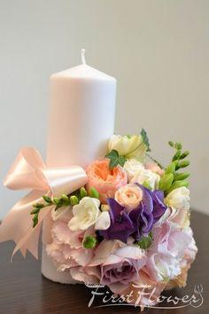 Lumanari pentru nunta, scurte cu trandafir David Austin somon si hortensie roz pal. - First Flower