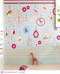 Nieuw behang voor de baby en kinderkamer