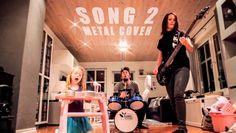 Família do Rock é algo bacana a ser preservado. Desde a filhinha baterista/tecladista, passando pela mamãe baixista e o pai guitarrista e vo...