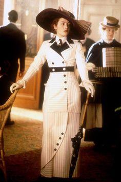 Kate Winslet in Titanic, 1997 ( costume designer is Deborah Lynn Scott) Titanic Kate Winslet, Kate Titanic, Rms Titanic, Titanic Costume, Titanic Dress, Titanic Movie, Titanic Cake, Edwardian Era, Edwardian Fashion
