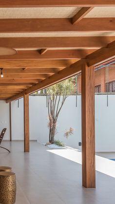 Wood Pergola, Pergola Patio, Backyard Patio, Home Design Decor, Bathroom Interior Design, House Design, Modern Patio Design, House Extension Design, Small Porches