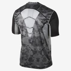 Nike Pro Combat Hypercool Fitted Grid Camo Men's T-Shirt Nike Outfits, Sport Outfits, Nike Pro Combat, Running Man, Trail Running, Camo Men, Football Gear, Gym Gear, Short Shirts