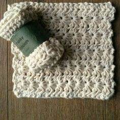 Brilliantmommy chunky dishcloth each Crochet Dishcloths, New Instagram, Beautiful Crochet, Merino Wool Blanket, Crochet Patterns, African, Things To Sell, Cotton, Crocheting