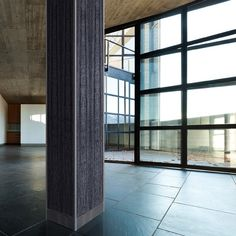 This unique #column is striking in ViviGraphix Graphica Glass with Black Fig interlayer.