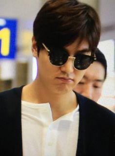 Lee Minho on his way to Manila, 20160331. cr. Minoz_丽鸿