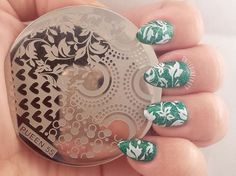I love these green ivy nails, gotta pick up some more stamping supplies!