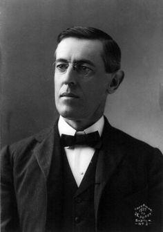 Woodrow Wilson (Geboren 28 December 1856, Staunton (Virginia)) was de 28e president van de Verenigde Staten. Eerst hield hij de VS buiten de oorlog maar ze onderschepten een telegram waaruit blijkt dat Duitsland Mexico tegen de VS  wilde opzetten. Na de oorlog zette Wilson zich met wisselend succes in voor de wereldvrede. Voor zijn inzet voor de wereldvrede ontving Wilson in 1919 de Nobelprijs voor de Vrede.