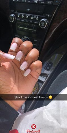 Prized by women to hide a mania or to add a touch of femininity, false nails can be dangerous if you use them incorrectly. Types of false nails Three types are mainly used. Aycrlic Nails, Glam Nails, Dope Nails, Nail Nail, Short Square Acrylic Nails, Diy Acrylic Nails, Long Square Nails, Acrylic Art, Perfect Nails