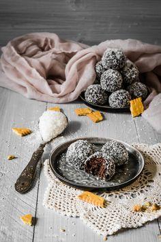 Butterkeks Kugeln - Bombice - Ahalni Sweet Home - Easy dessert recipes - Pecan Desserts, Blueberry Desserts, Peanut Butter Desserts, Mini Desserts, Pudding Desserts, Chocolate Desserts, No Bake Desserts, Quick Easy Desserts, Healthy Dessert Recipes
