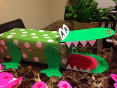 alligator valentine box