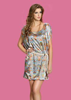 Olha que lindo esse vestido da nossa coleção de verão 2013! Ele está disponível em todas as lojas da Zunnck!