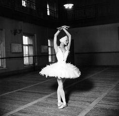 Uliana Lopatkina rehearsing at Vaganova