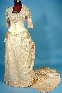 wedding dress (Victorian 1870)