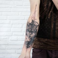 Black and grey wolf and electric ink by Paulo Victor Skaz