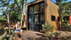 The De Zanding: a beautiful contemporary tiny house at the Droomparken resort in the Netherlands! Bungalows, Great Places, Places To Go, Prefab Cottages, New Business Ideas, Types Of Houses, Tiny Houses, Netherlands, Small Spaces