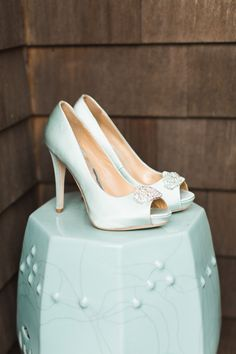 Aqua peep toes. Badgley Mischka. Photography: Ashley Caroline Photography - www.ashley-caroline.com