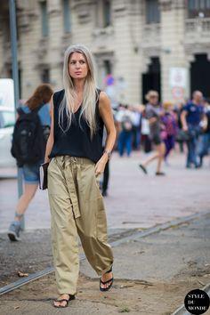 loose fit. #SarahHarris in Milan.