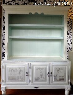 Kristy has amazing tutorials on how to do these transfers to your furniture.  Love this beach theme cabinet.