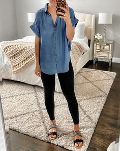 Teaching Outfits, Mode Jeans, Outfit Trends, Chambray Top, Looks Style, Mom Style, Cute Casual Outfits, Stylish Outfits, Striped Outfits
